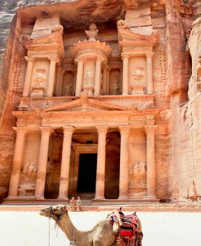 Skrivnostno, neverjetna Petra še lepša s Tur Tur Turizem