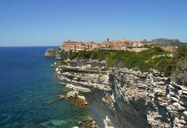 Bonifacio, slikovito mesto na jugu Korzike, Tur Tur Turizem