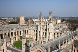Oxford univerza učenosti, Tur Tur Turizem