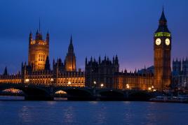 Nočni  londonski parlament, Tur Tur Turizem