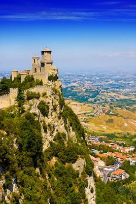 San Marino, republika na skali